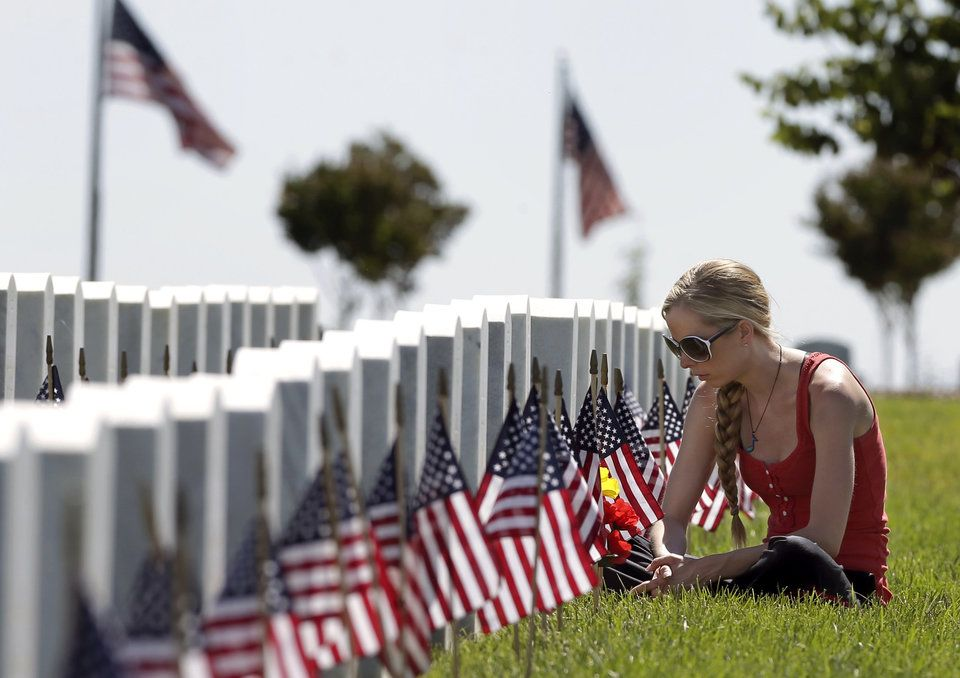 These Emotional Photos Show The Real Reason For Memorial Day Memorial Day Photos Memorial Day Emotional Photos