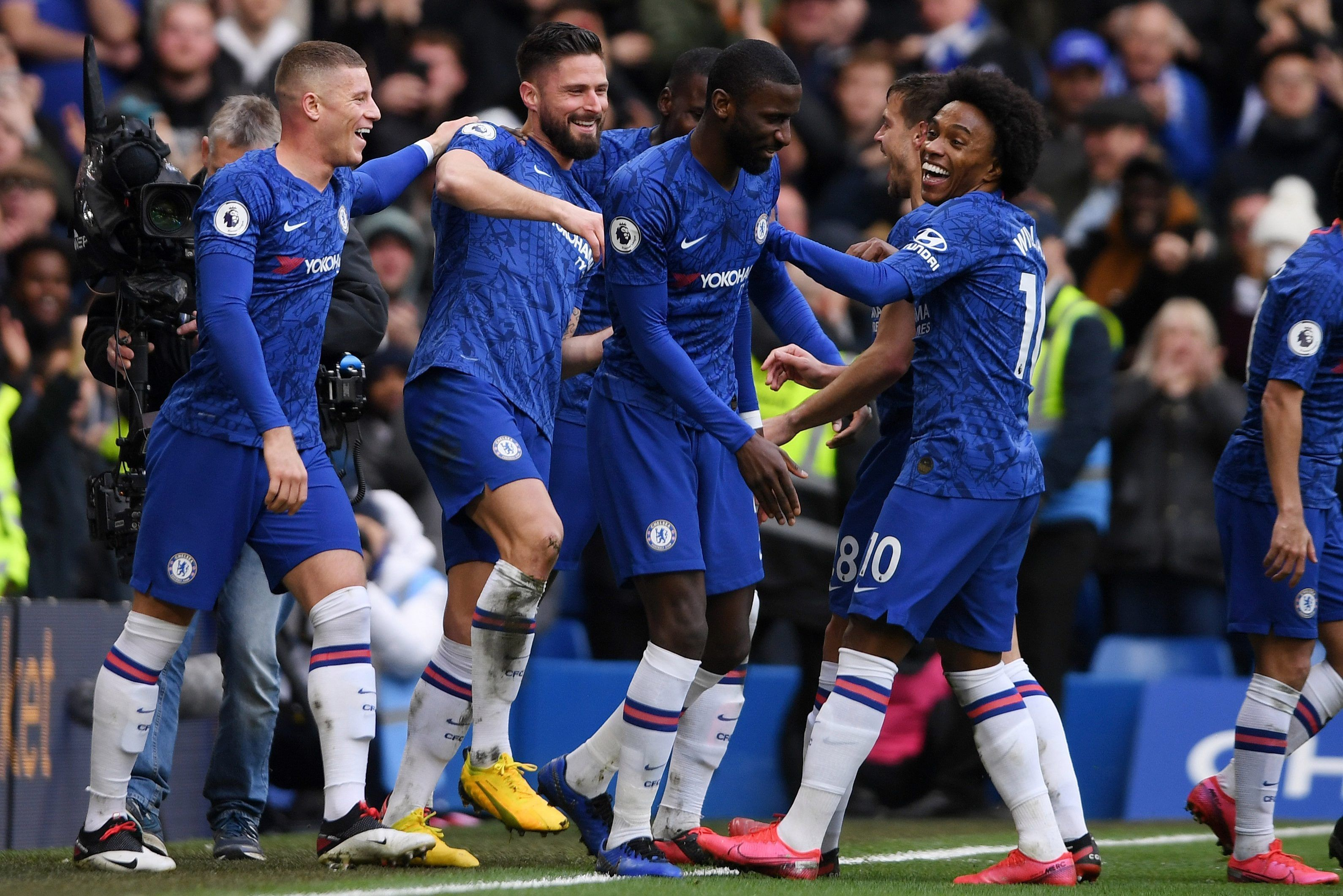 Chelsea Dominate Woeful Everton In Entertaining Display To Strengthen Top Four Position Football Soccer Sports Futbol Fifa In 2020 Everton Chelsea Premier League