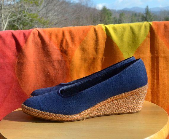 vintage 80s shoes canvas WEDGES women espadrilles heels loafers 7.5 7.5W  navy blue
