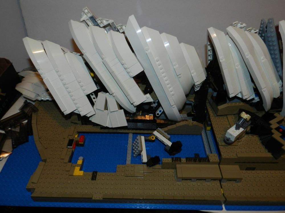 Lego Creator Sydney Opera House 10234 Complete Winstruction The