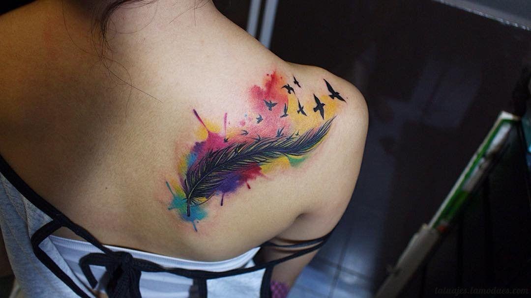 Los Tatuajes de Plumas es uno de los más buscados dado su simbolismo - tatuajes de plumas