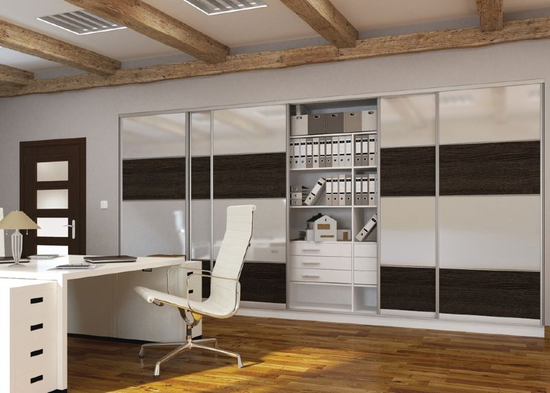 portes coulissantes pour garde robes sur mesure par. Black Bedroom Furniture Sets. Home Design Ideas