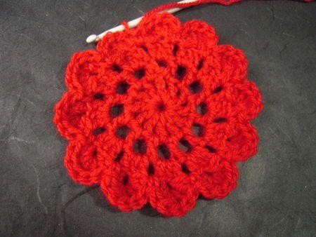 62a3f22eb Tuto de mon débardeur en fleurs japonaises - Alma Chita   crochet   Fleur  japonaise, Fleur crochet et Crochet japonais