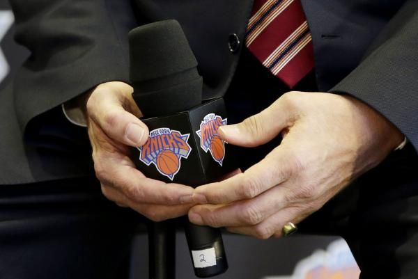 The New York Knicks have reached agreement with Sacramento Kings vice president of basketball operations Scott Perry to become the club's new general manager, CSN Chicago reported Thursday.  The Knicks met with Perry on Thursday, as the team continues to rebuild its front office... - #Hiring, #Knicks, #NBA, #Reportedly, #Scot, #TopStories, #Verge, #York