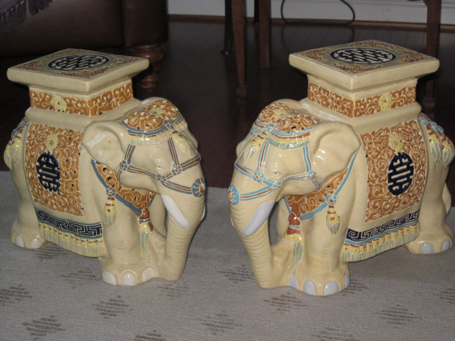 Beautiful Vintage Elephant Garden Stools, Side Table, Chinoiserie, Ceramic  Elephant Plant Stand Asian