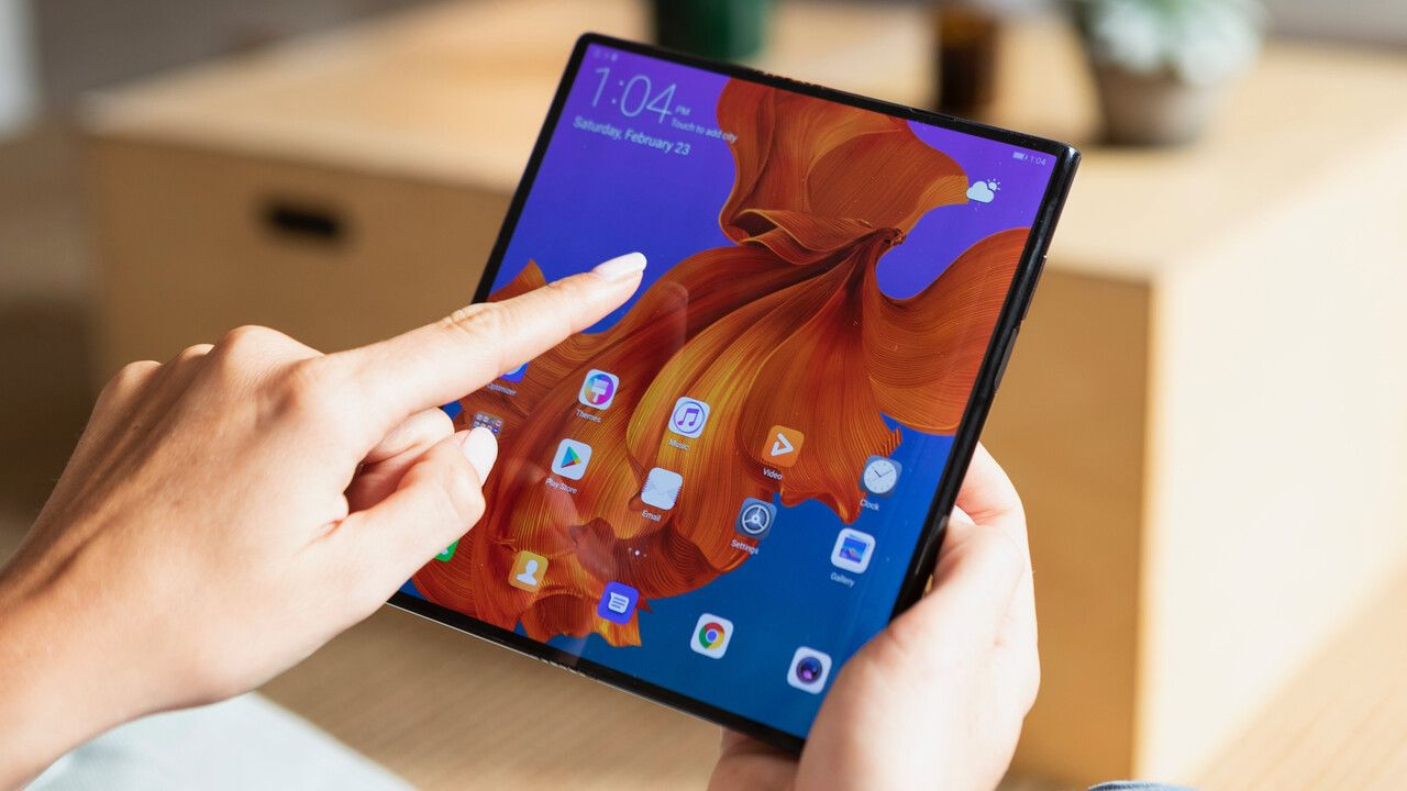 Mate X Huawei Is Moving The Foldable Smartphone In 2020 Huawei Huawei Mate Smartphone