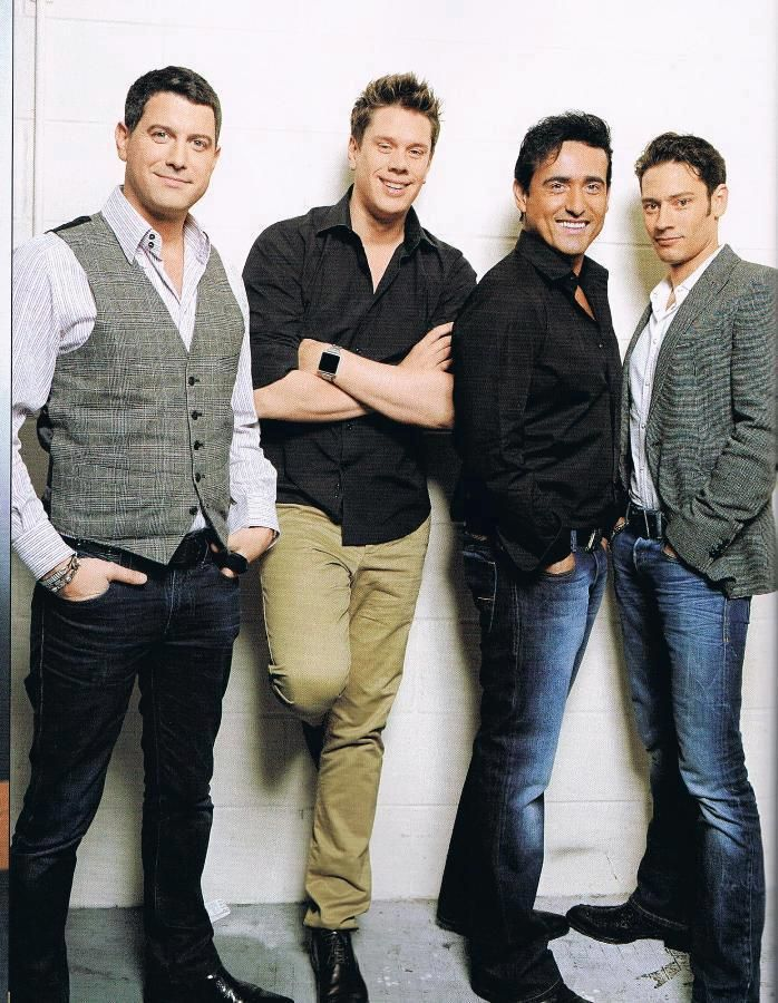 Il Divo looking relaxed and happy.