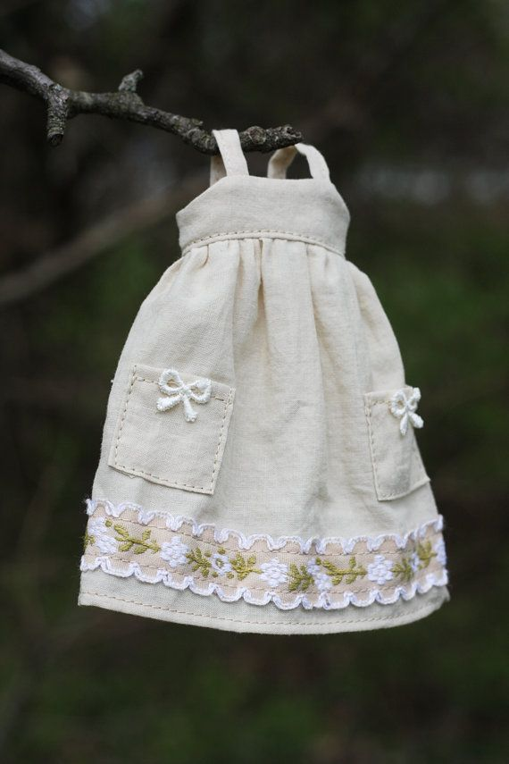 Comfrey Mori Girl Dress for Blythe Doll by pommepomme on Etsy, $29.00