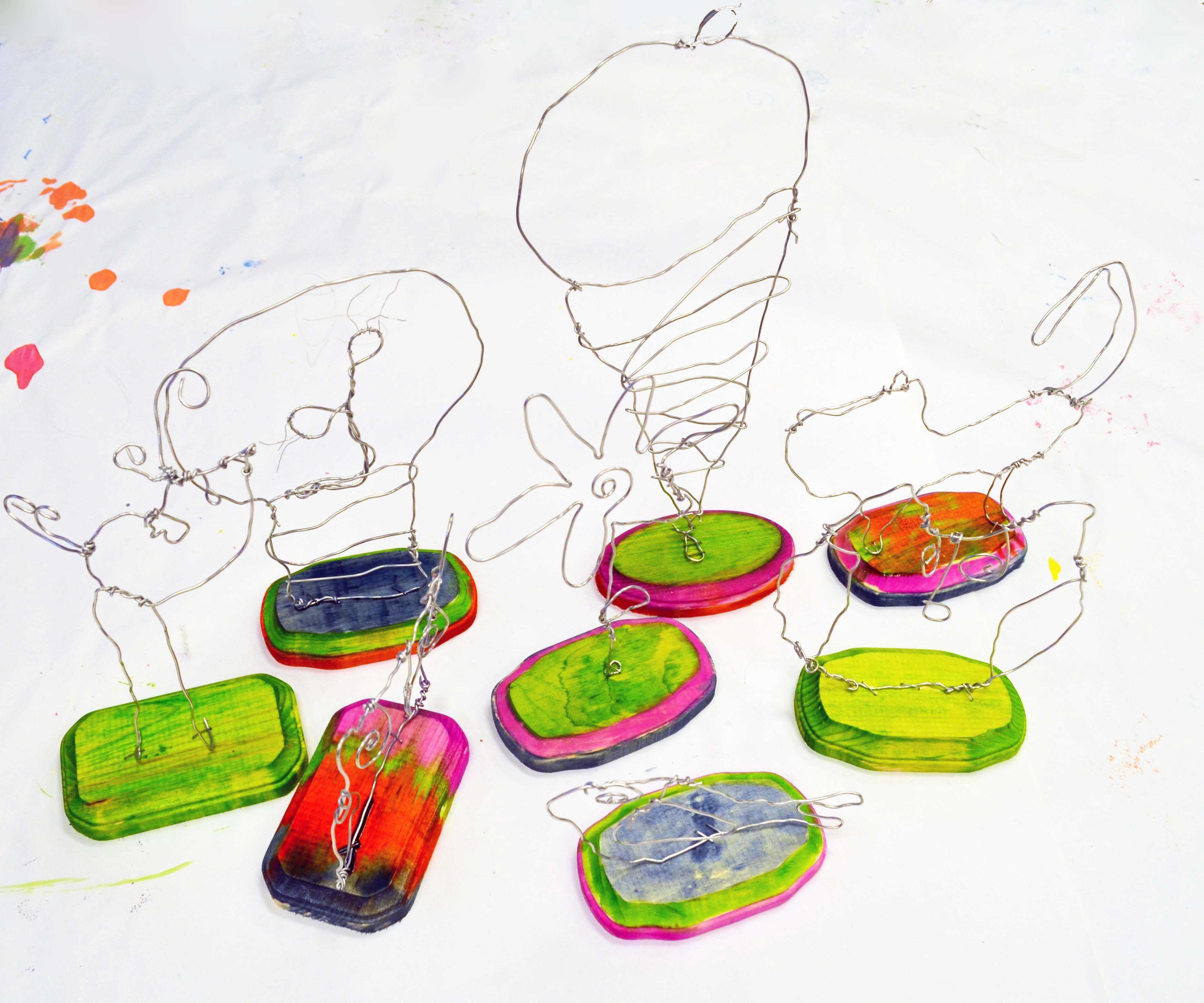 Calder inspired wire sculptures alexander calder art for Wire art projects