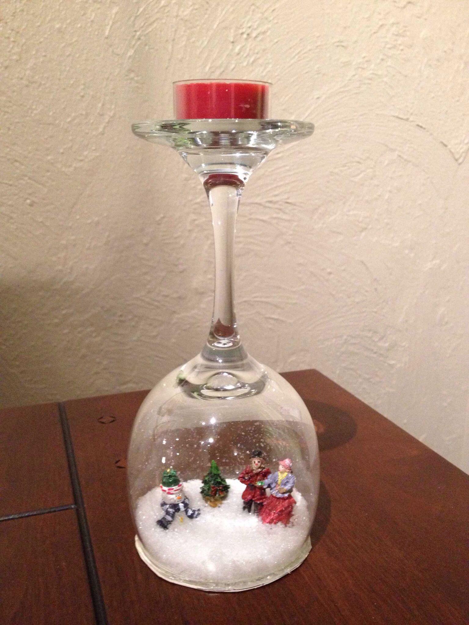 Christmas wine glass snow globe Wine glass crafts, Wine