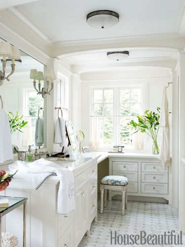 An Expansive His-and-Hers Bathroom | Pinterest - Badkamer