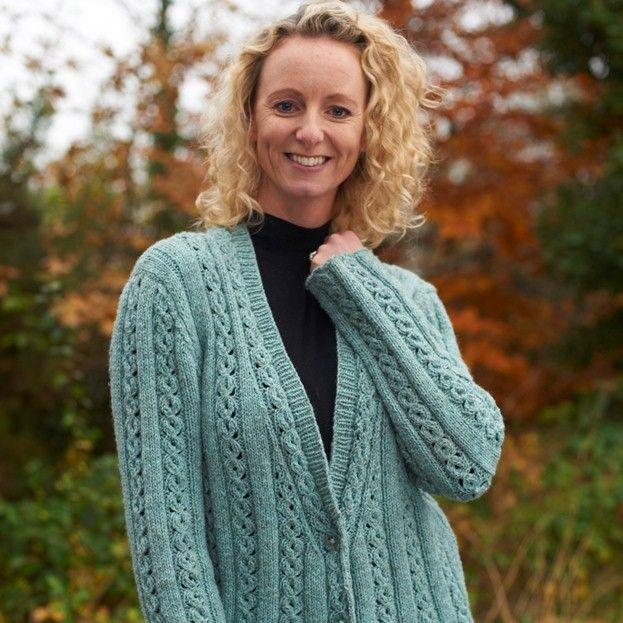 Margot Long Cable Jacket knitting pattern free | breipatrone ...