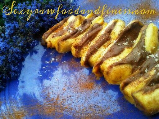 Carob walnut date creme and apple bananas