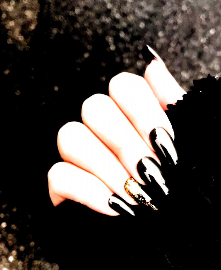 Nails Nailart Nail Design Art Fall Autumn Coffin Green Olive Ideas Gold Flakes Foil Leaf Fashion Nails Fall Au In 2020 Nail Art Gel Nails Nail Designs