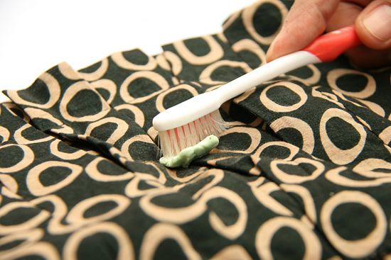 how to clean gum off clothes
