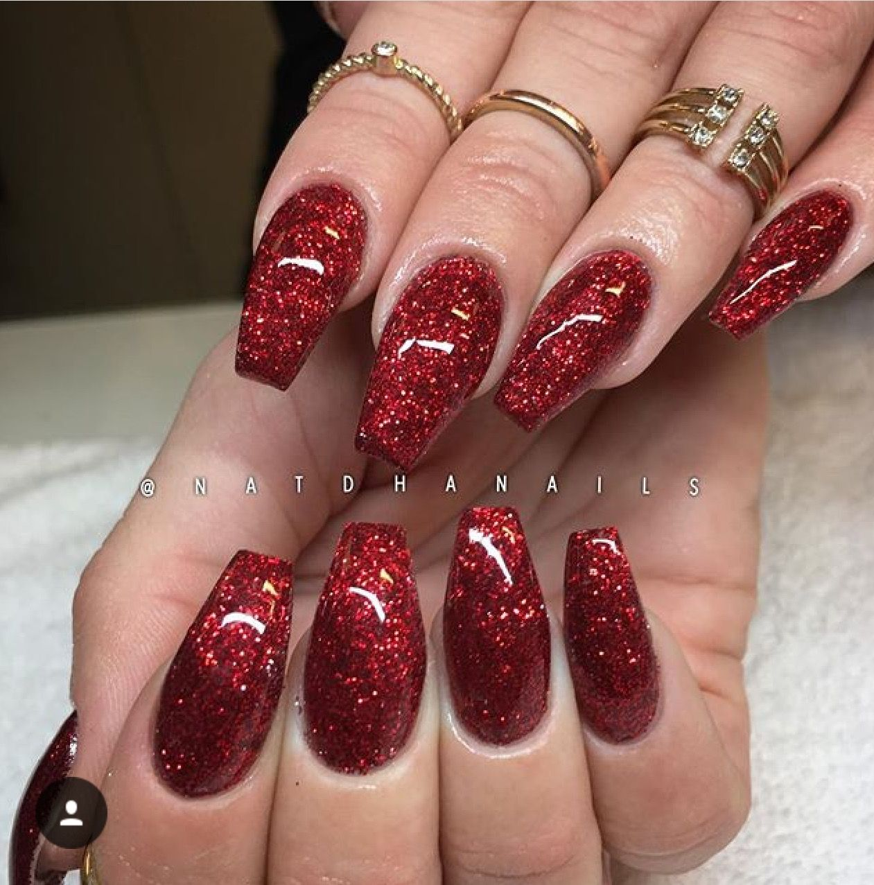 Pin By Tish On Nails Red Nails Glitter Glitter Nails Acrylic Prom Nails Red