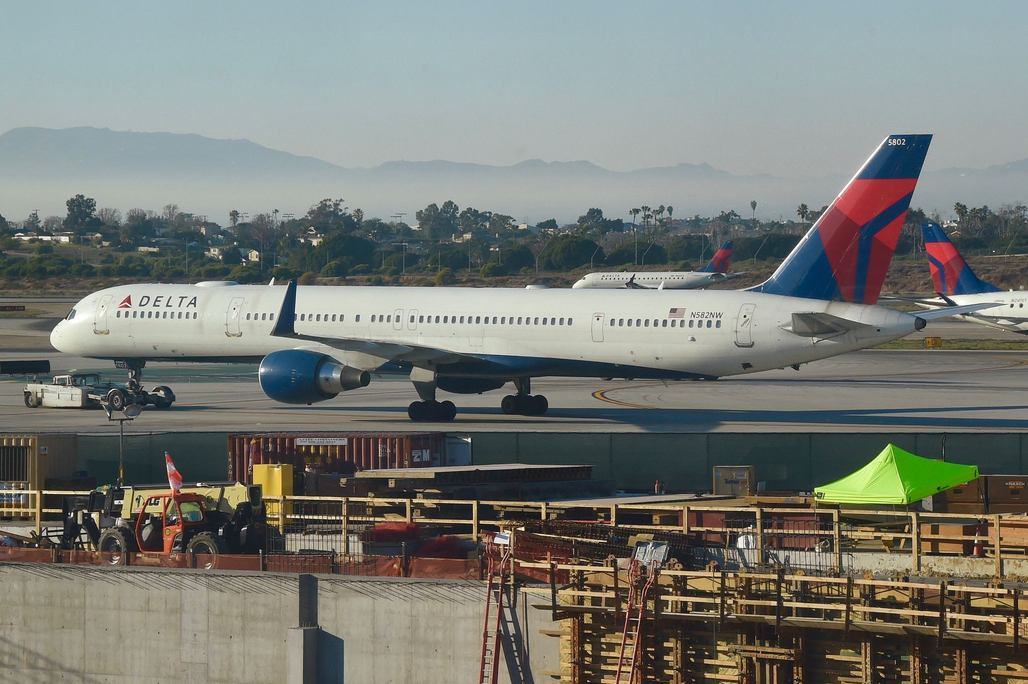 Delta Air Lines Boeing 757 300 N582nw Lax 31 01 2018 Boeing