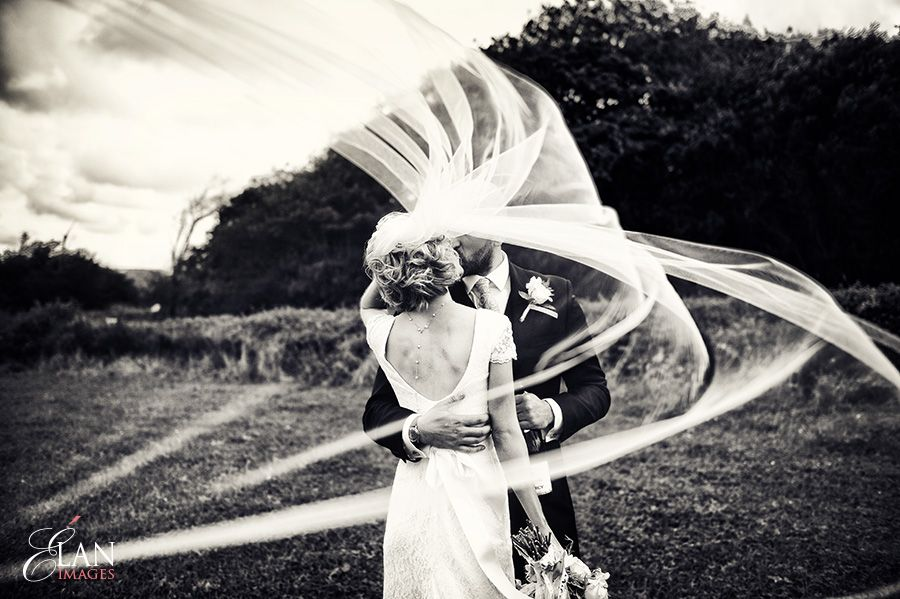 Reportage black white wedding photography ispwp fall contest 7 movement motion