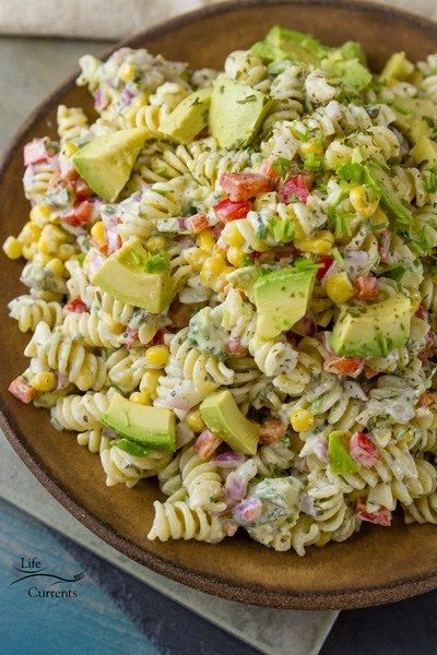 this a Skinny Avocado Ranch Pasta Salad because I used my Skinny Buttermilk Ranch Dressing as my inspiration #avocadoranch