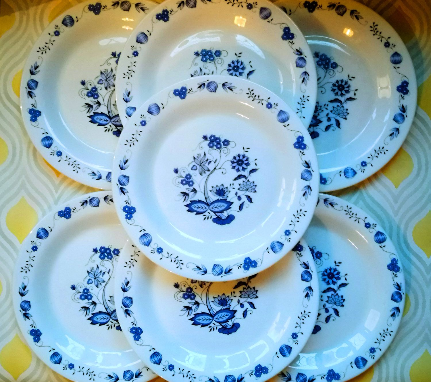 Blue Glass Square Plate Flower Pattern