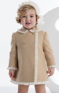 4b11768df abrigo-tostado-volantito-crudo-de-jose-varon