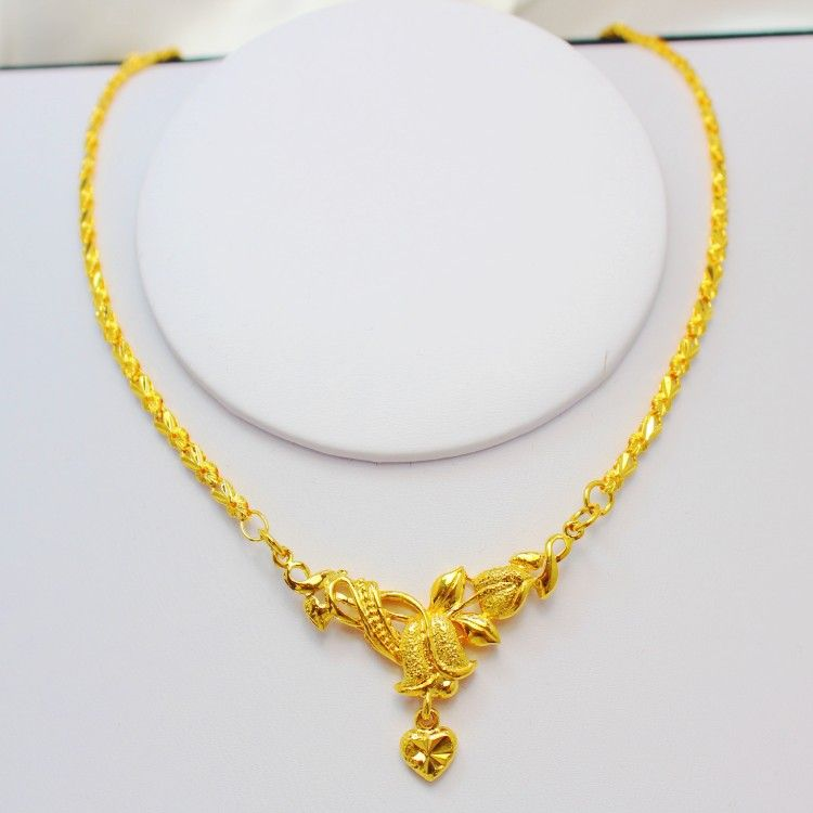 Elegant Wedding Gold Necklace | Gold Always Looks Bright ...