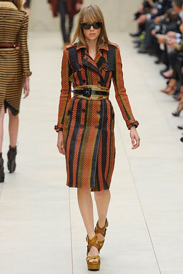 If I lived somewhere cold and I had extra money just sitting around ! Burberry Prorsum »  Spring 2012 RTW »
