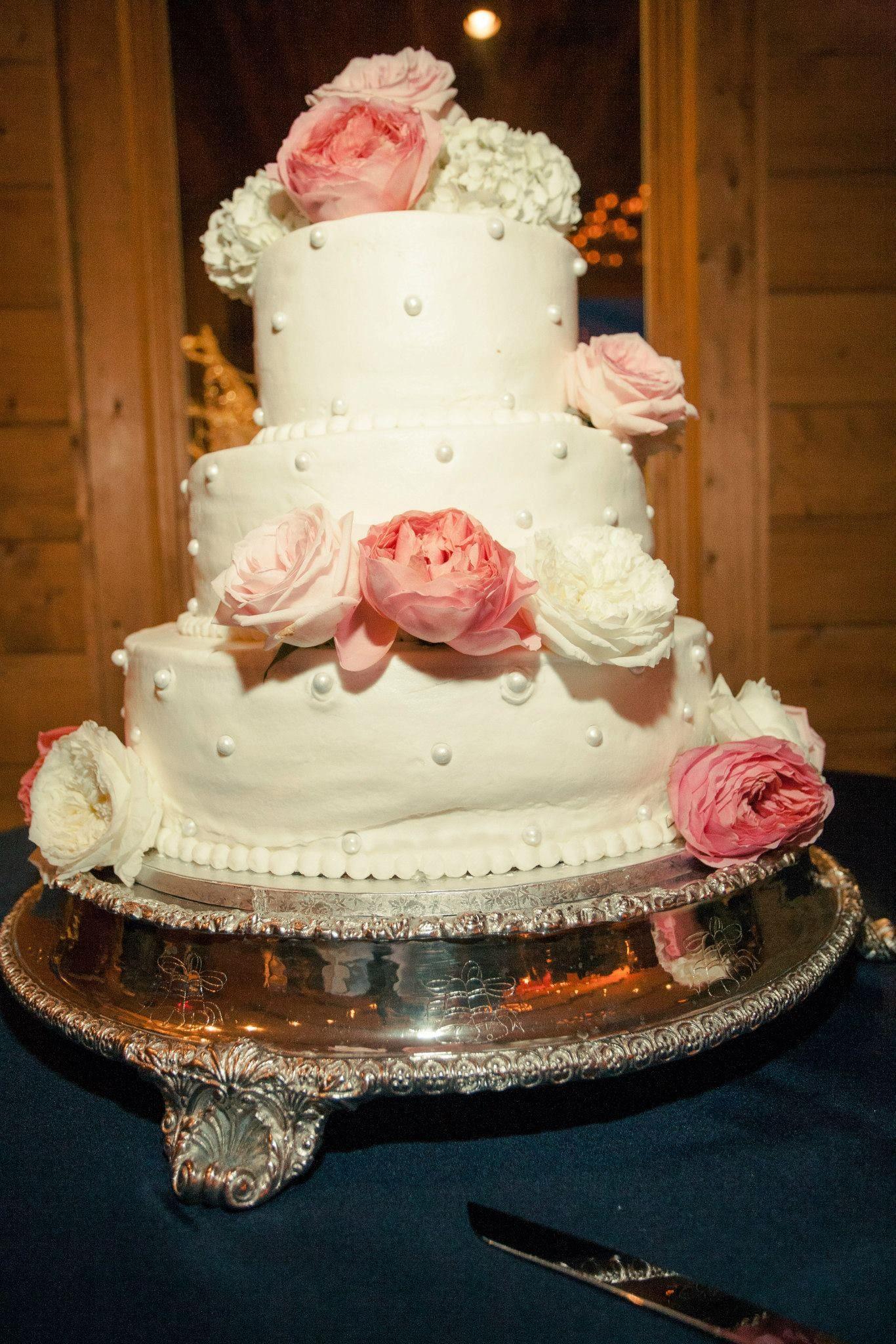 Wedding cake garden roses cabbage roses old english roses