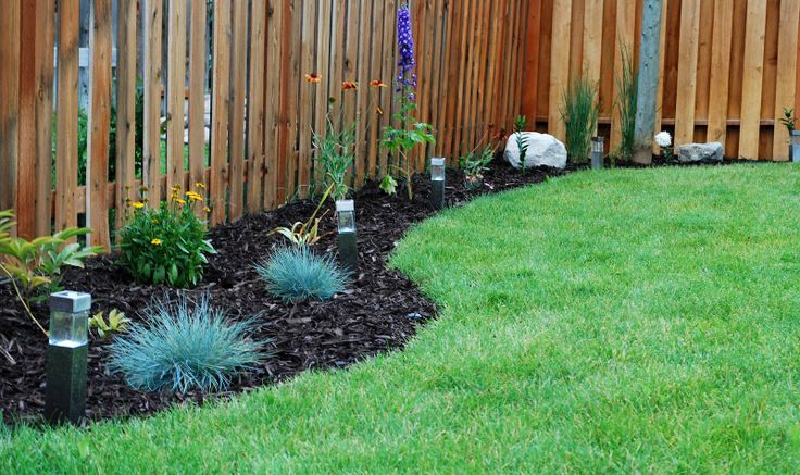 landscaping along fence line backyard flower bed designs along fence line - Garden Ideas Along Fence Line