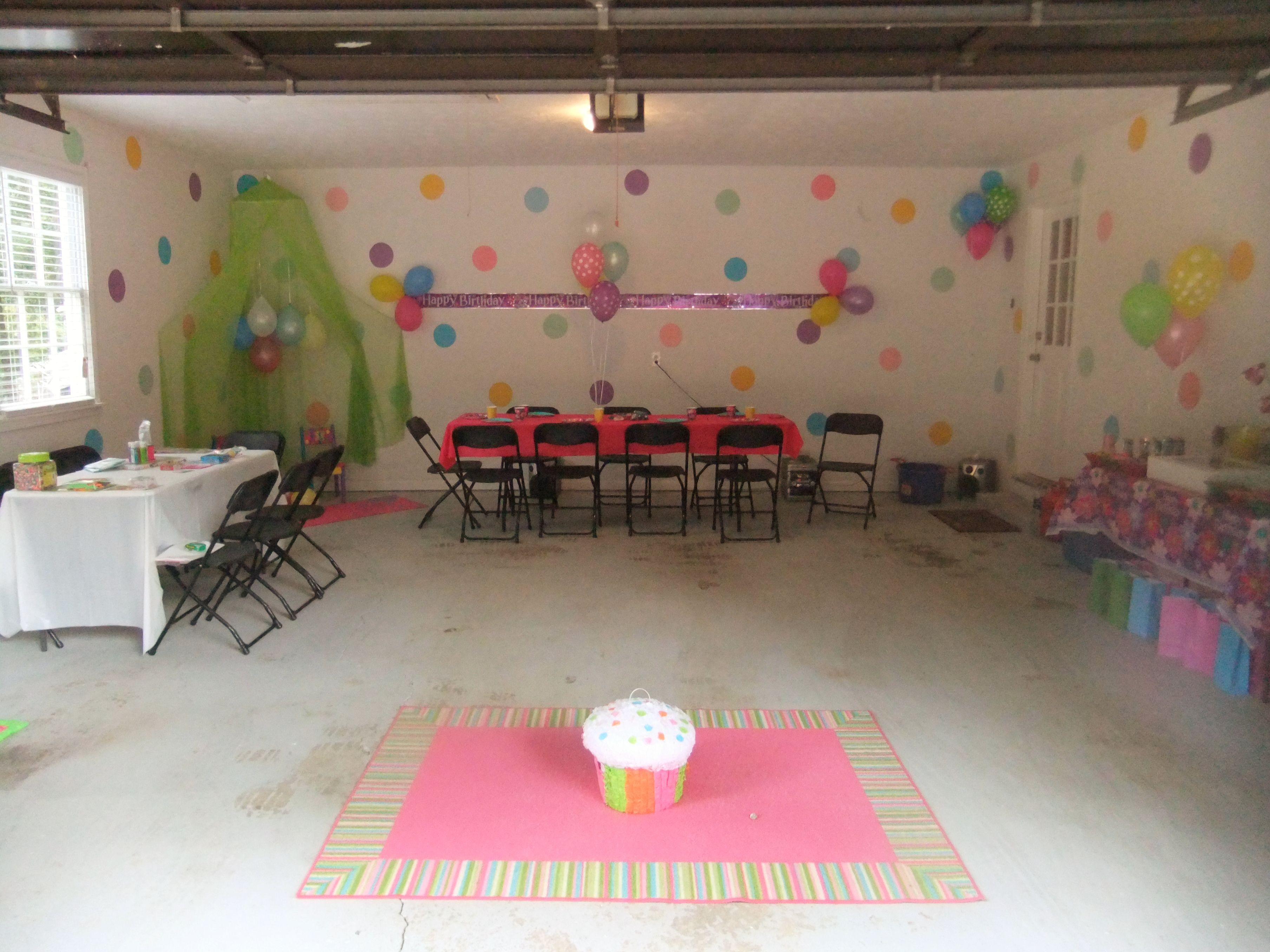 My daughter's birthday set up! Garage Birthday Party set for ...