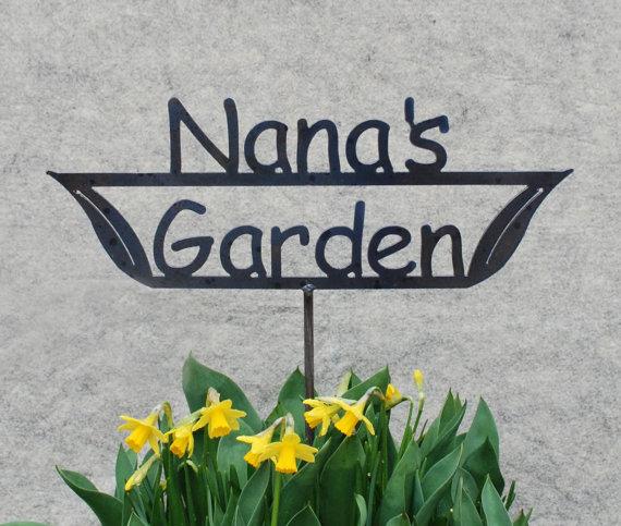 GREAT Mothers Day GIFT Nanau0027s Garden   Momu0027s Garden   Grandmau0027s Garden    Metal Garden Stake Sign