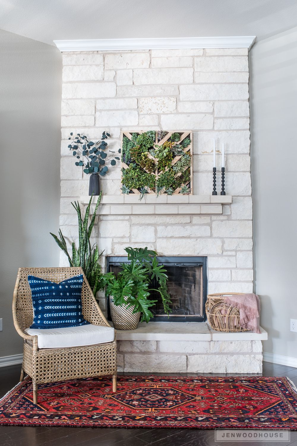 How To Make A Vertical Succulent Garden   Planters, DIY ideas and ...