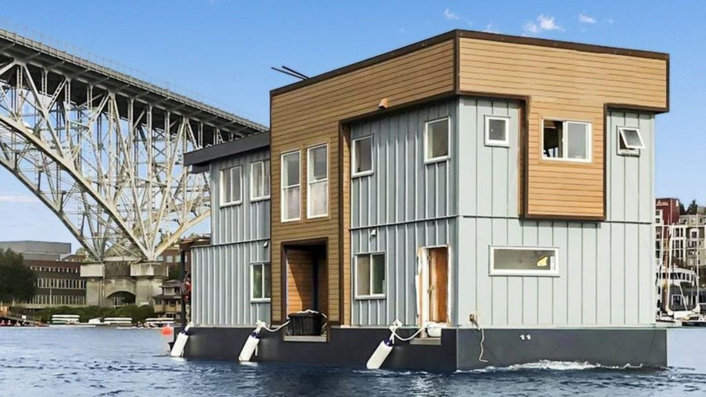 Come sail away on this rockin 12m houseboat in seattle