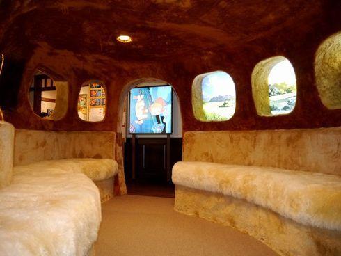 ジブリ美術館が2カ月を経てリニューアルオープン 大人も乗れるネコバスはモフモフ度upで再登場