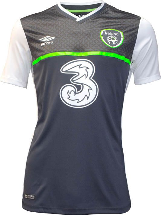 a803bfbb71 Ireland 2015-16 Umbro Away Kit | дресови | Football shirts, Ireland ...
