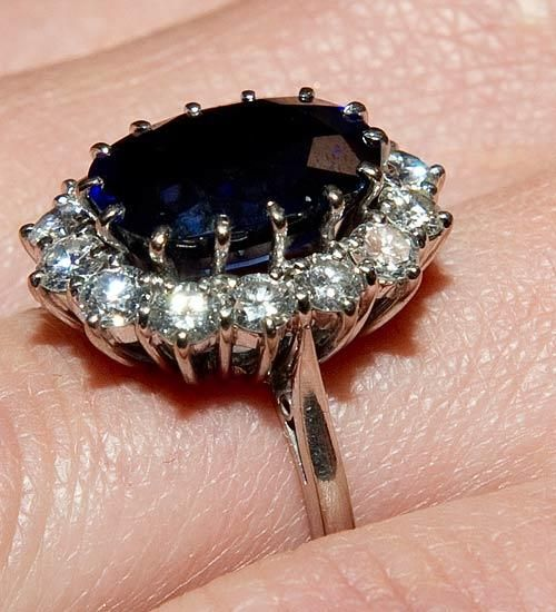 A side view close up of Kate Middletons engagement ring