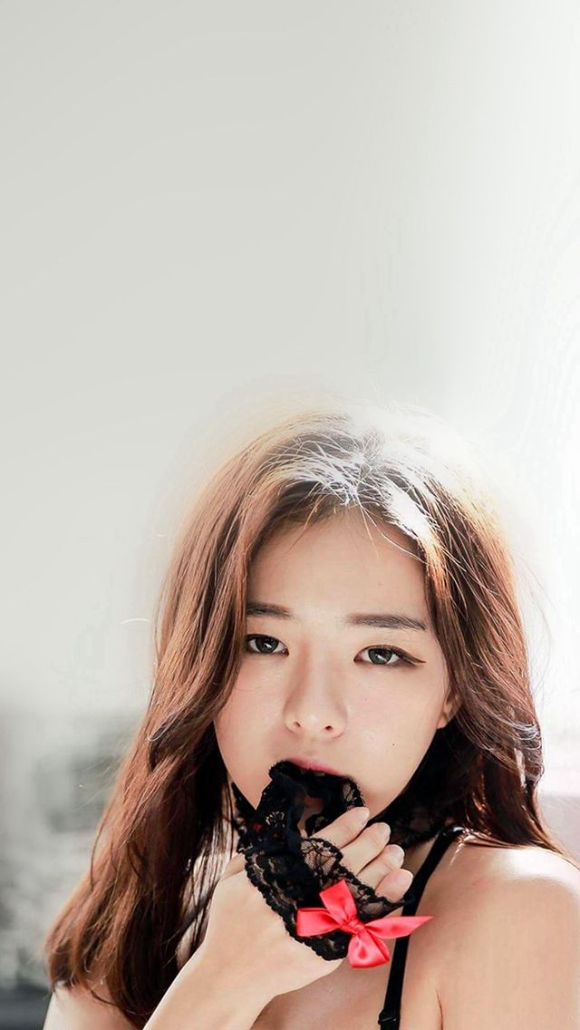 Asian girls iphone 5s wallpaper more beauties in httpwww haneul girl cute model kpop iphone 5s wallpaper voltagebd Gallery