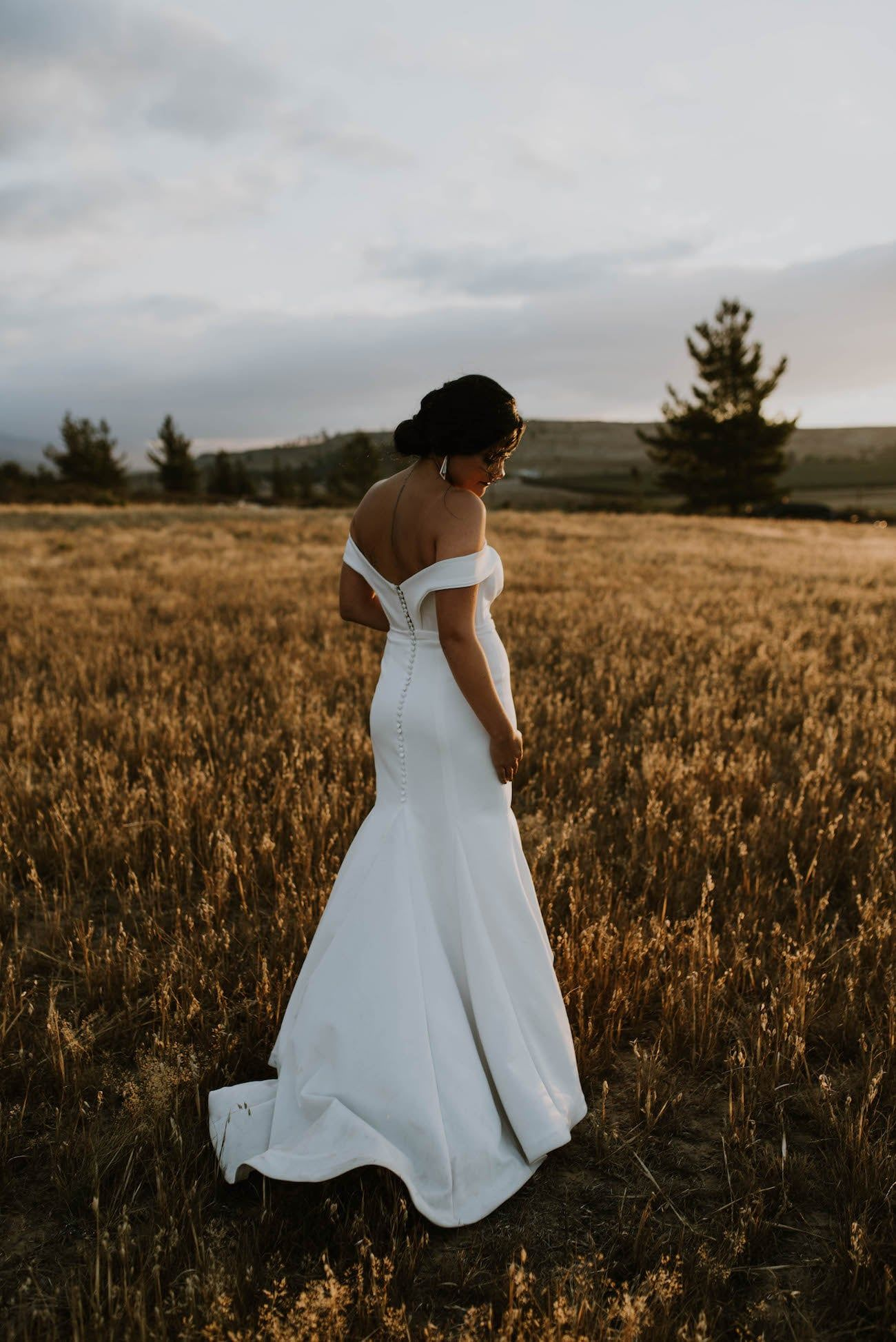 Diy Forest Greenery Wedding At Matroosberg By Claire Thomson Photography Backless Wedding Dress Beautiful Wedding Dresses Greenery Wedding [ 1947 x 1300 Pixel ]