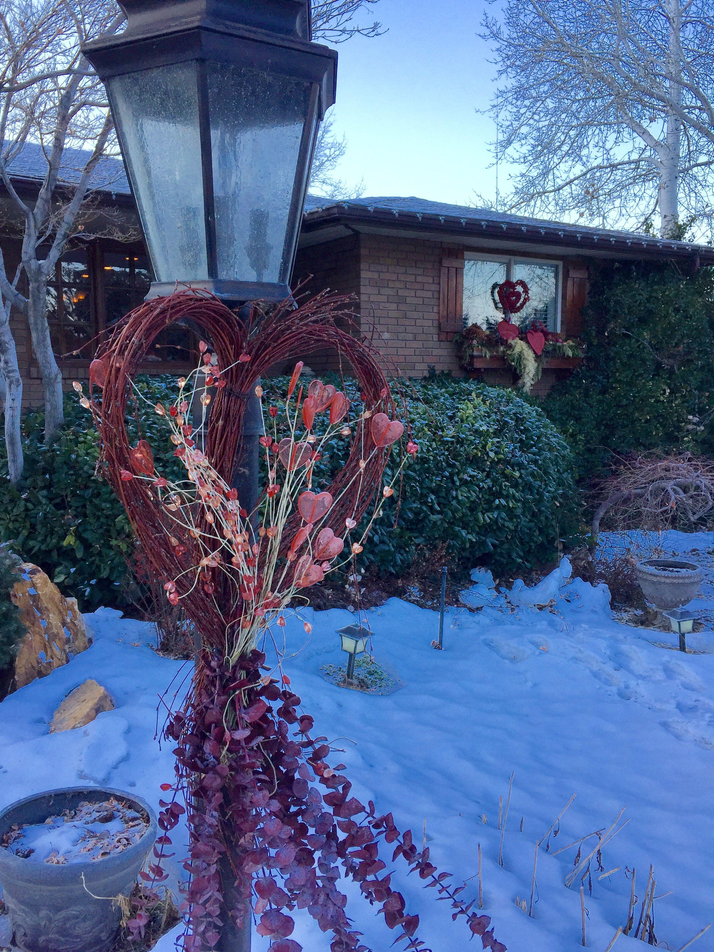 Valentine Decor On Lamppost By Darris Howe Valentines Outdoor
