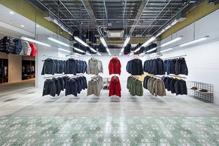 Descente Blanc Store By Schemata Architects Yokohama Japan Retail Store Interior Retail Design Store Design