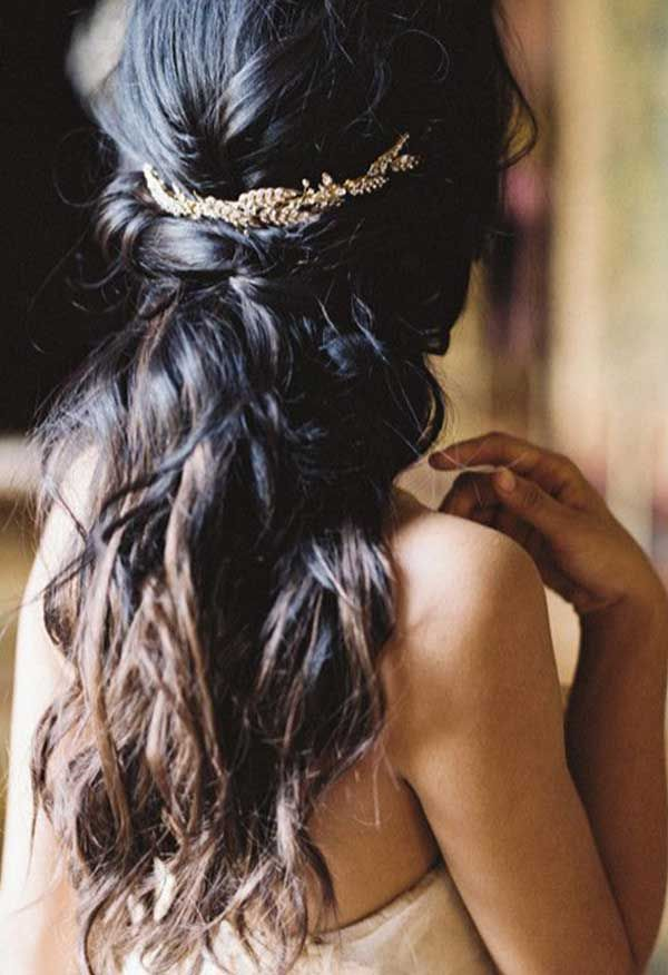 18 inspirações de penteado messy para noivas   http://www.blogdocasamento.com.br/18-inspiracoes-de-penteado-messy-para-noivas/