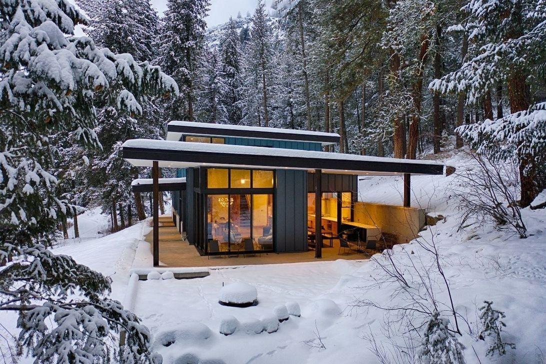 Awesome Small Contemporary House Designs Ideas To Try 29 In 2020 Contemporary House Design House Designs Exterior Contemporary House