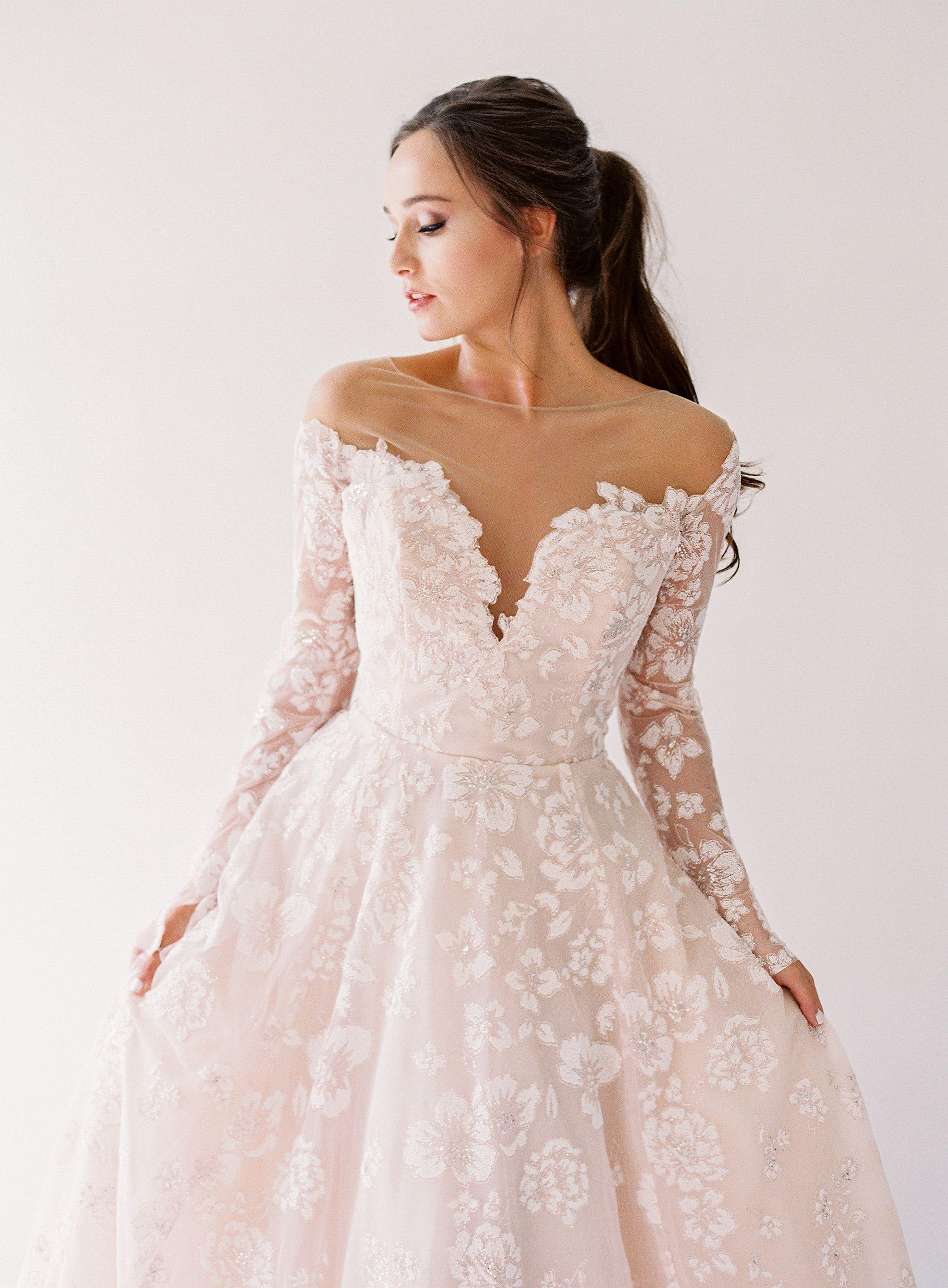 Stevie Hayley Paige Elle James Bridal Longsleeveweddingdress Hayleypaige Glamourous Wedding Dress Wedding Dress Long Sleeve Wedding Dress Inspiration [ 2794 x 2057 Pixel ]