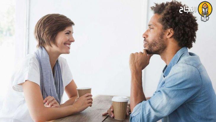 كيف تكسب محبة الآخرين باستخدام لغة الجسد | Flirting tips ...