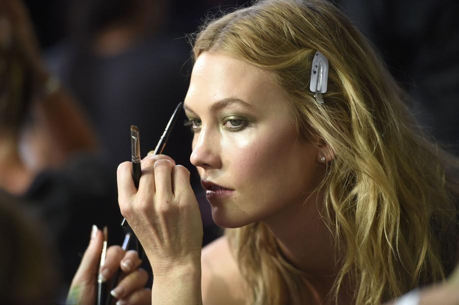 EN IMAGES. Haute couture : 25 000 orchidées chez Atelier Versace
