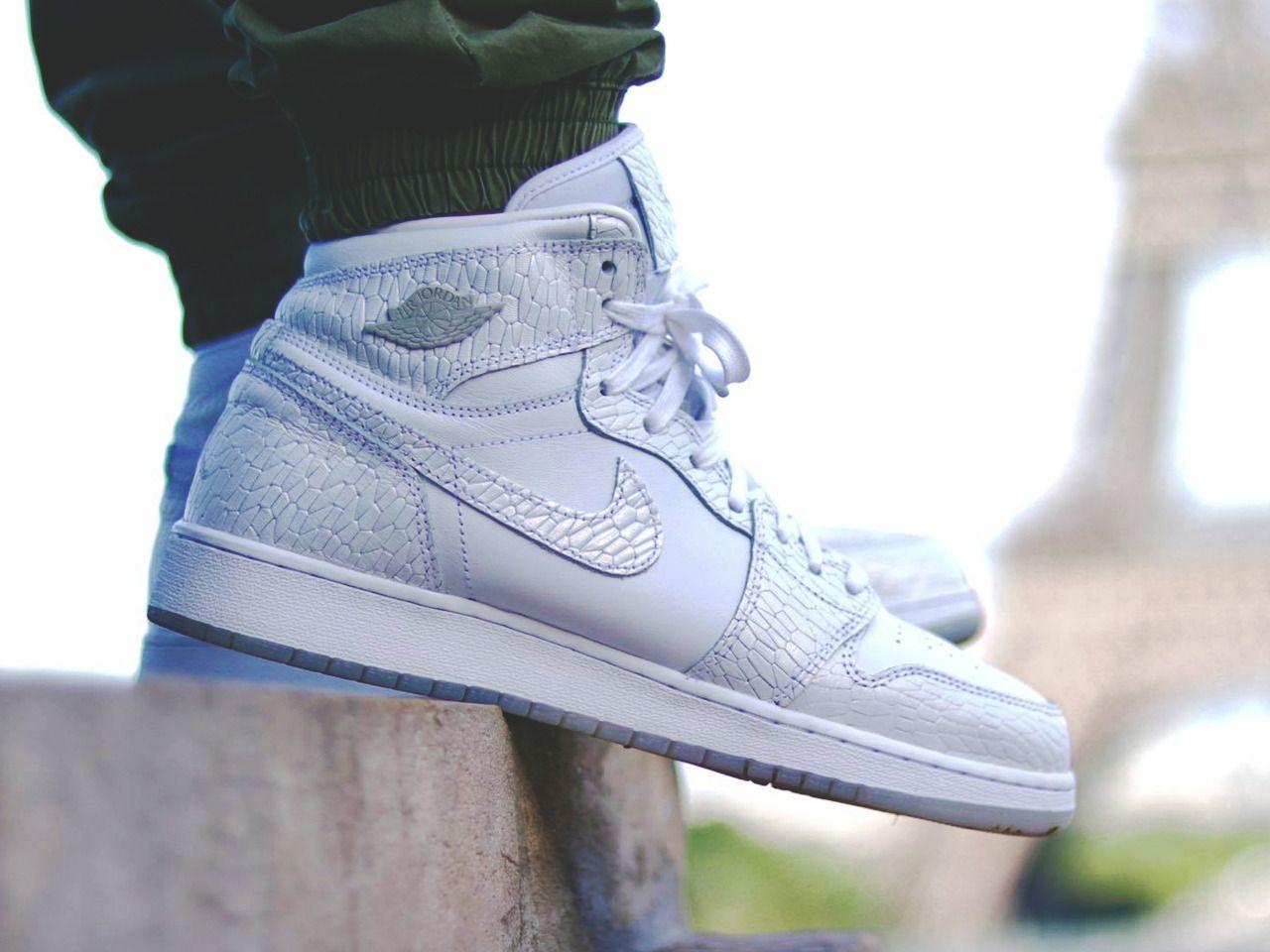 Nike Air Jordan 1 Retro High GS Frost White 2017 (by