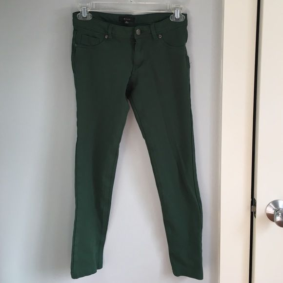 Hunter green Mine Pants Hunter green pants gently worn. Very comfy, made out of jegging like material. Price negotiable. Mine Pants Leggings