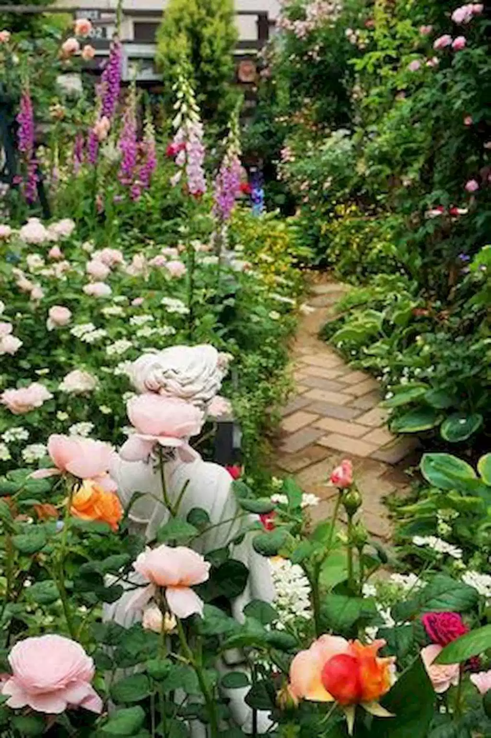 12 Stunning Cottage Garden Ideas For Front Yard Inspiration Decoradeas Small Flower Gardens Front Yard Garden Cottage Garden Design