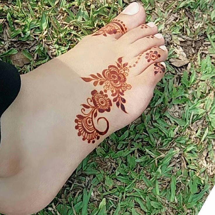 نقش نقوشات نقشات نقوشات حنة نقوشات عرايس نقشات يد عروس عرايس صالون صالونات يمعه اهل حنا حناء حن Henna Designs Feet Foot Henna Mehndi Designs Feet