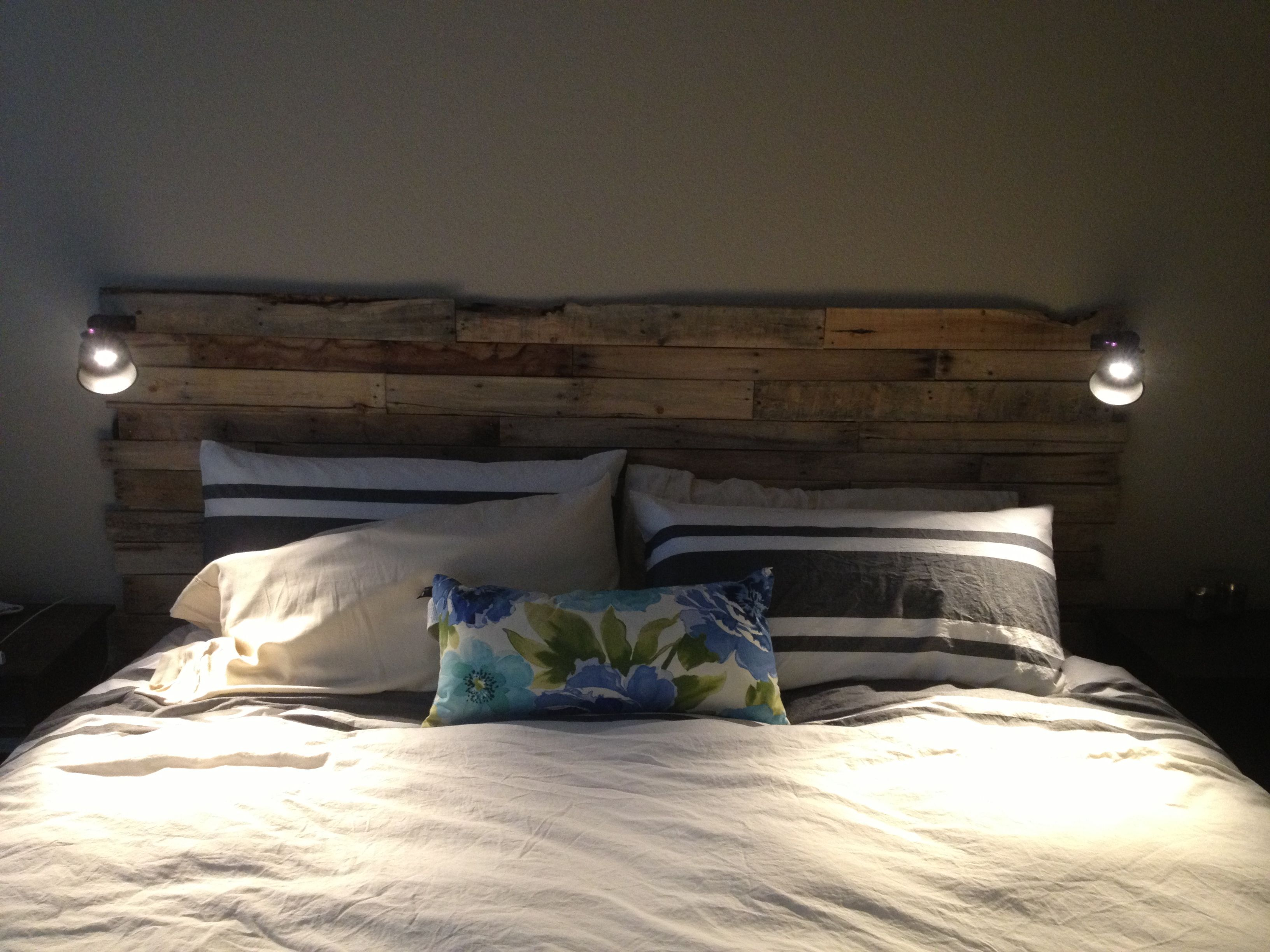 DIY Pallet Headboard Im Crafty And I Know It Pinterest
